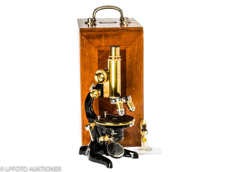 Leitz research microscope No.164979