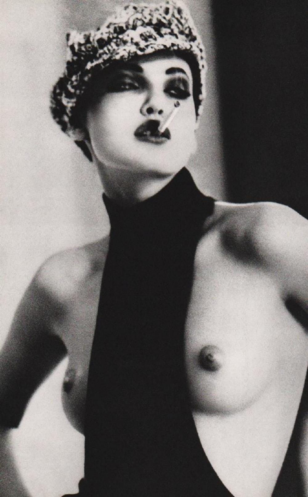 ELLEN VON UNWERTH - SMOKY NADJA, PARIS, 1991