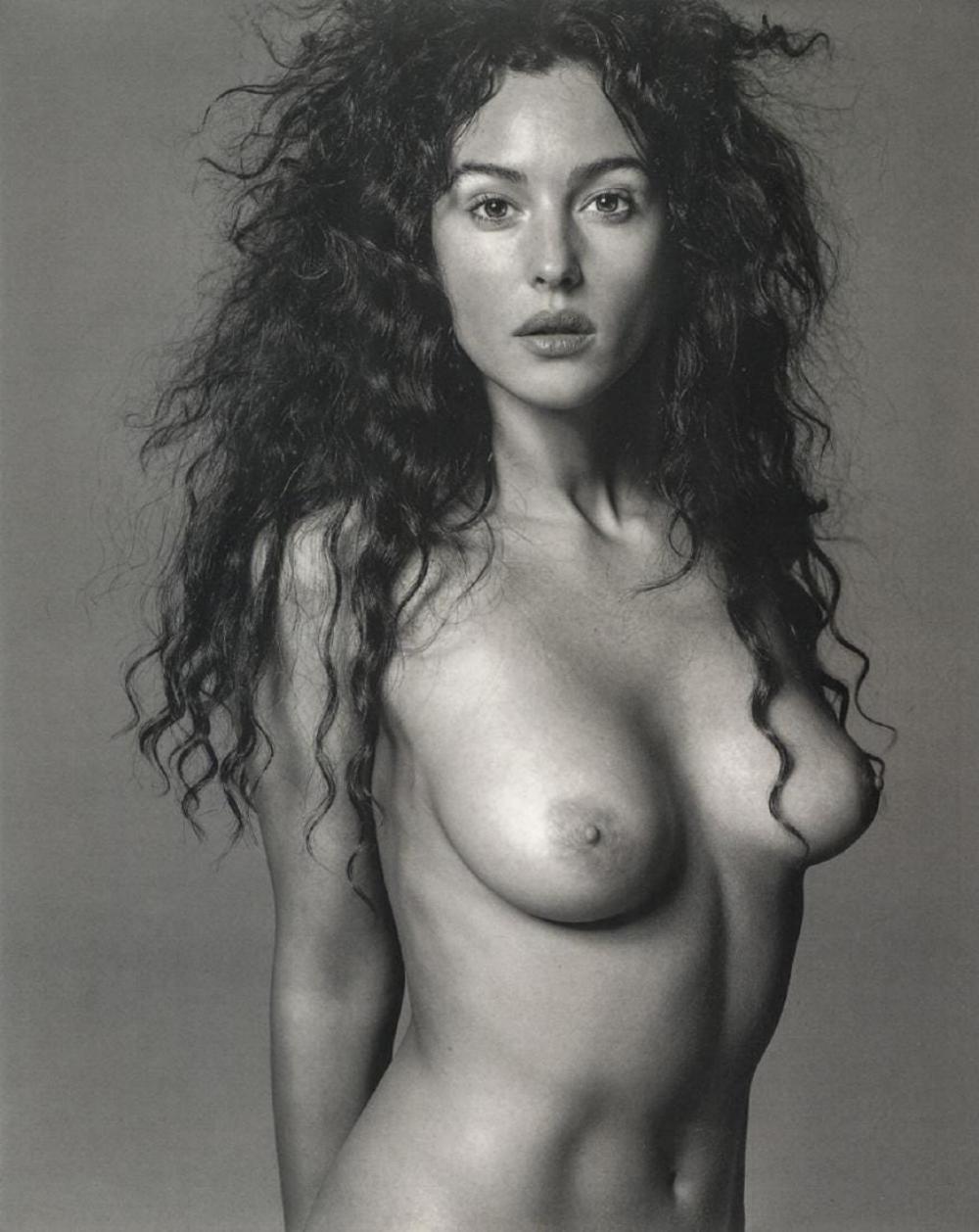 RICHARD AVEDON - MONICA BELLUCCI, 1992