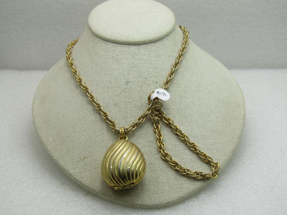 Vintage Premier Jewelry Necklace Bracelet Set Gold Tone Textured