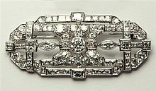 A fine Art Deco platinum and diamond brooch 1920s-30s,