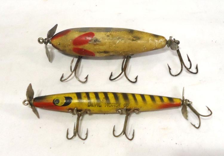 2 vintage wooden fishing lures for Old wooden fishing lures