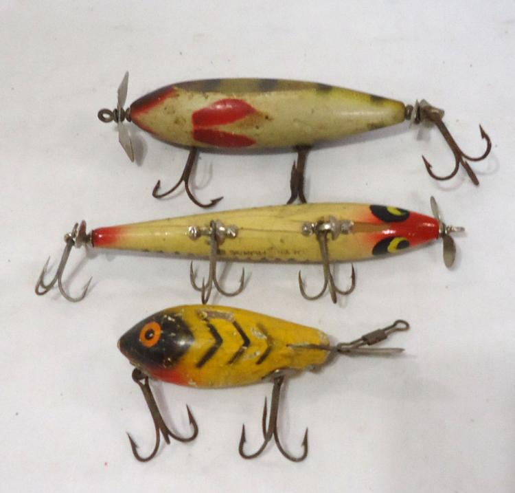 3 vintage wooden fishing lures for Antique wooden fishing lures