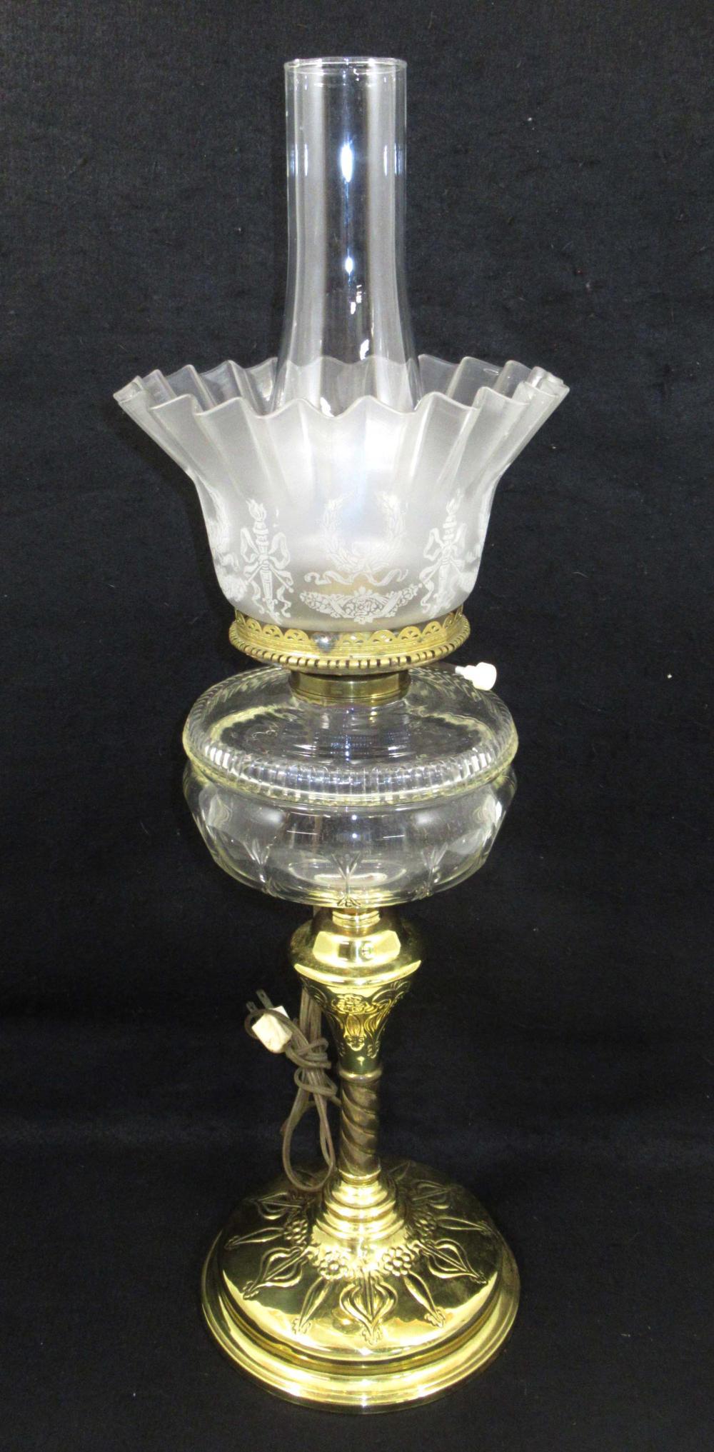 Banquet Oil Lamp w/ Cut Glass Font