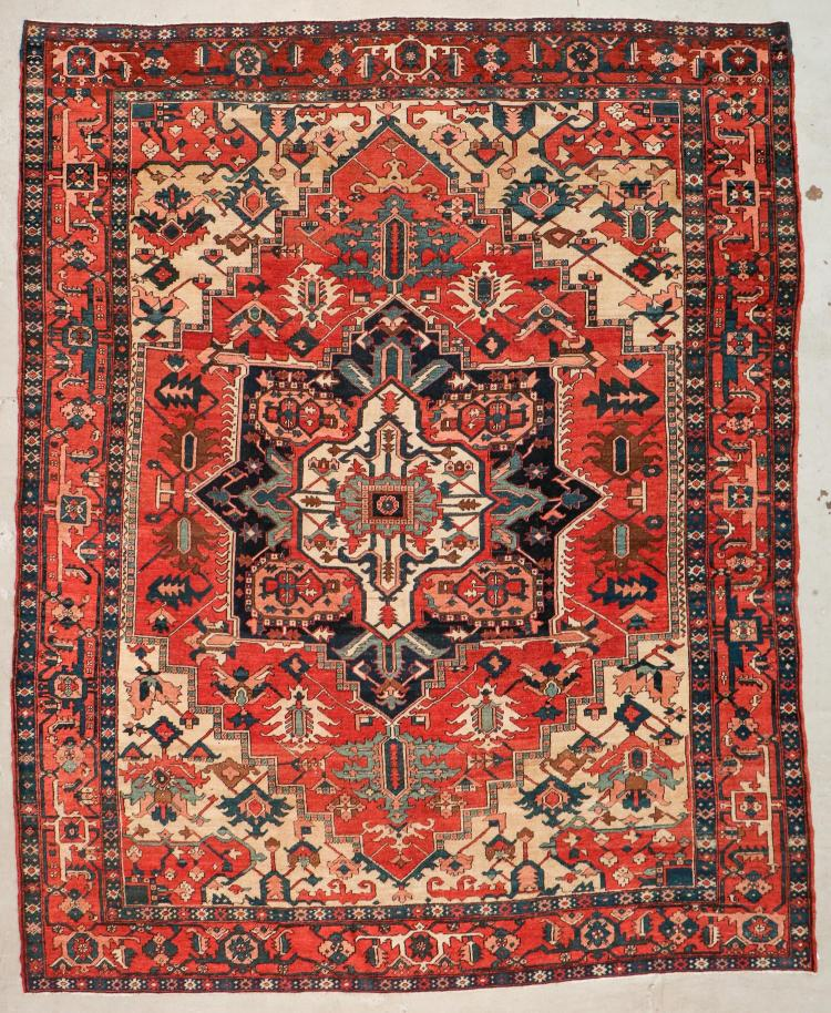 Antique Serapi Rug: 9'8'' x 11'8'' (295 x 356 cm)