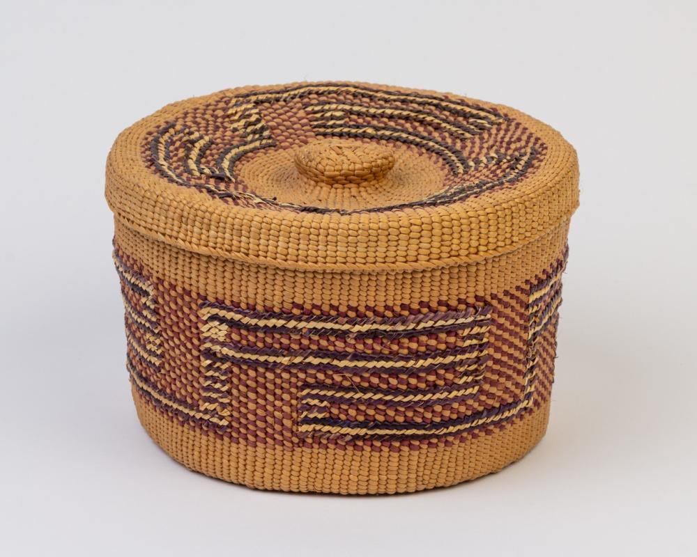 A round Haida spruce root lidded basket, 4 1/2 x 7 1/4 in. (11.4 x 18.4 cm)