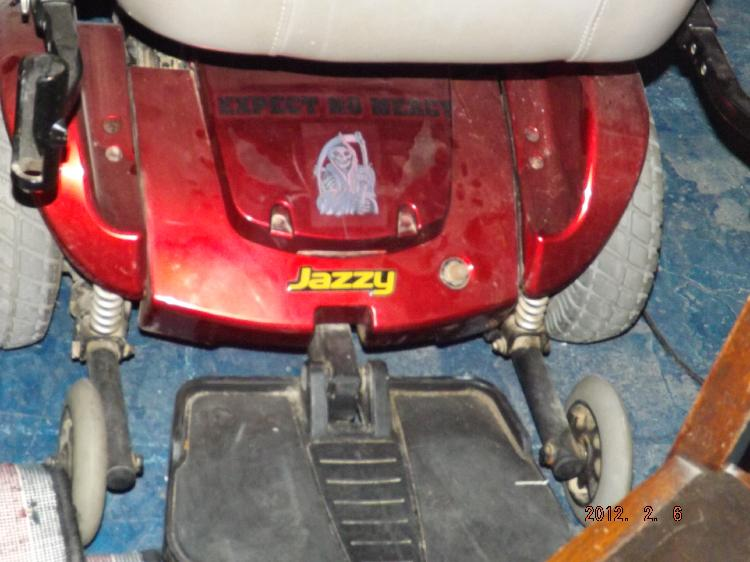 JAZZY MOTOR SCOOTER WITH CHARGER - ONLINE BIDDERS PLEASE USE