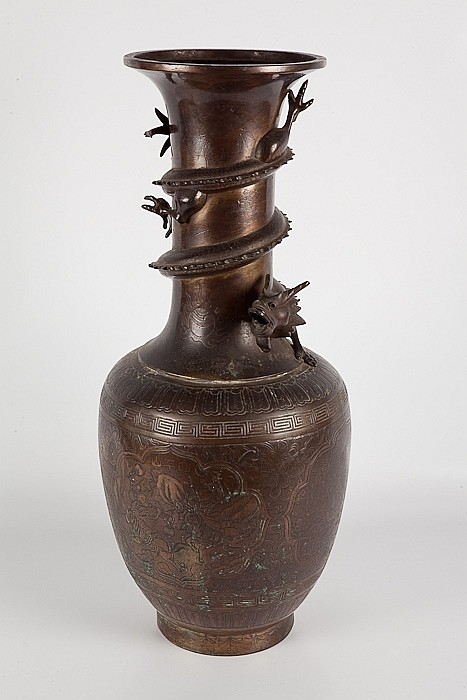 LARGE CHINESE BRONZE VASE