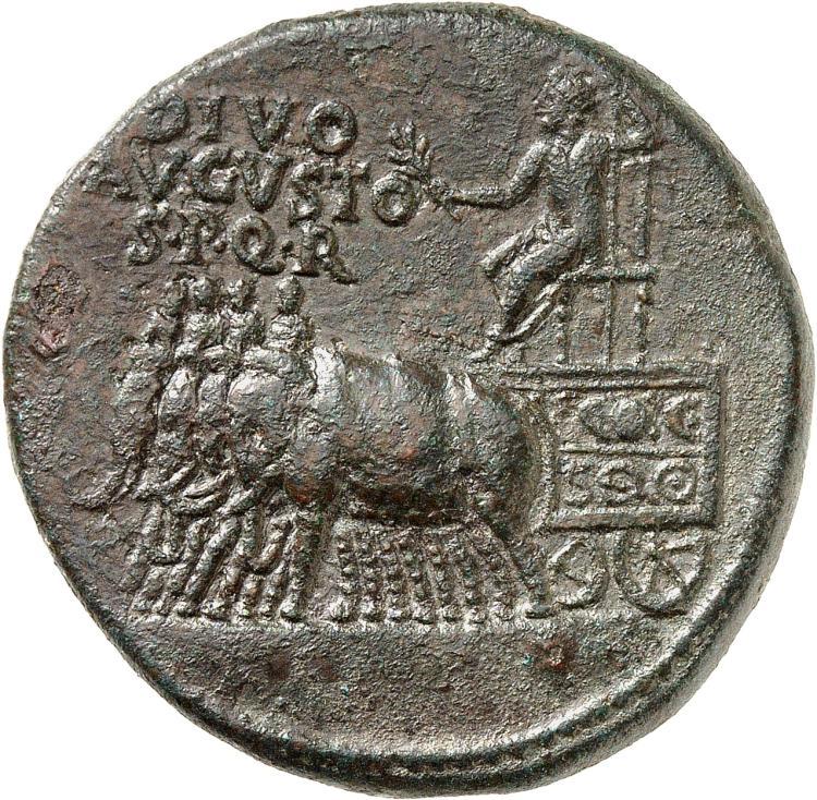 EMPIRE ROMAIN Tibère (14-37). Sesterce 14, Rome, frappé au nom de « Divus Augustus ».