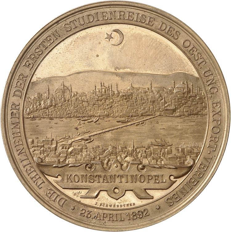 TURQUIE Constantinople. Médaille en bronze doré 1892, frappée pour le premier voyage d'étude de l'association Austro-Hongroise.