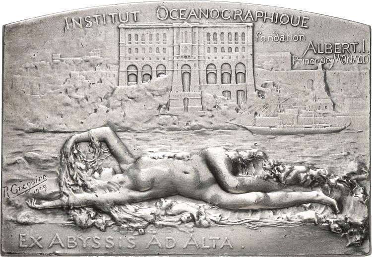MONACO Albert Ier (1889-1922). Médaille en argent 1909, frappée pour l'inauguration du musée océanographique de Monaco, par Grégoire, poinçon argent.