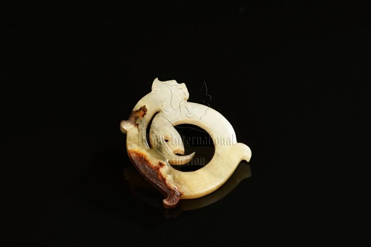 JADE CARVED 'CHILONG' ORNAMENT