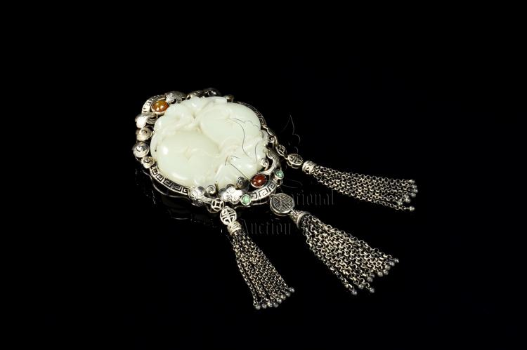 WHITE JADE CARVED AND DECORATED PENDANT