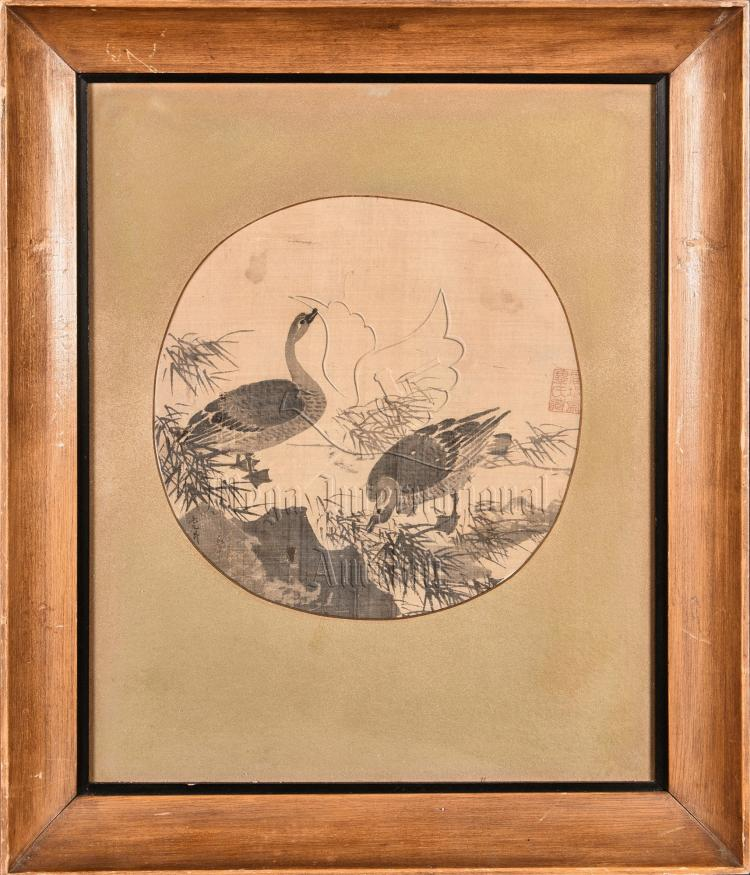 MAO YUNSHENG: SMALL FRAMED ROUND INK ON SILK PAINTING