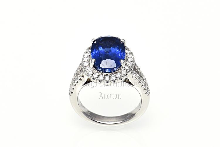 7.93 CARATS BLUE SAPPHIRE AND DIAMOND RING WITH GRS CERTIFICATE