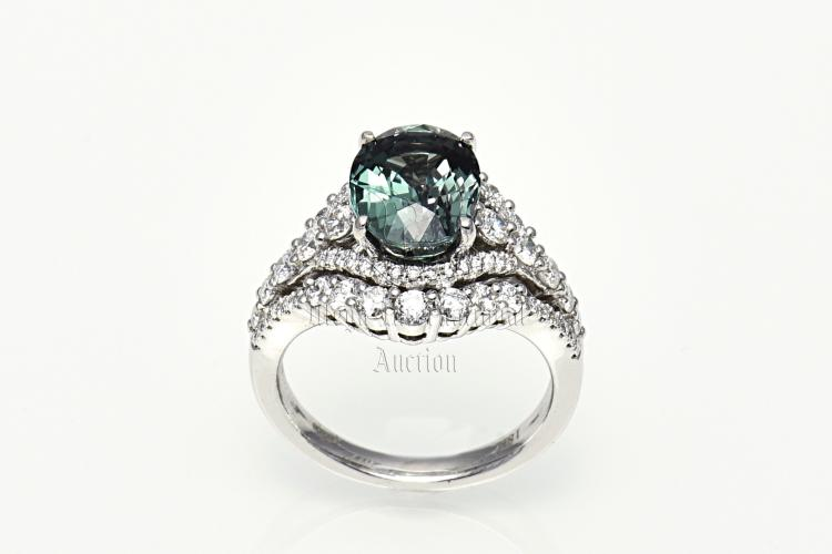 3.95 CARATS ALEXANDRITE AND DIAMOND RING WITH AGTA CERTIFICATE
