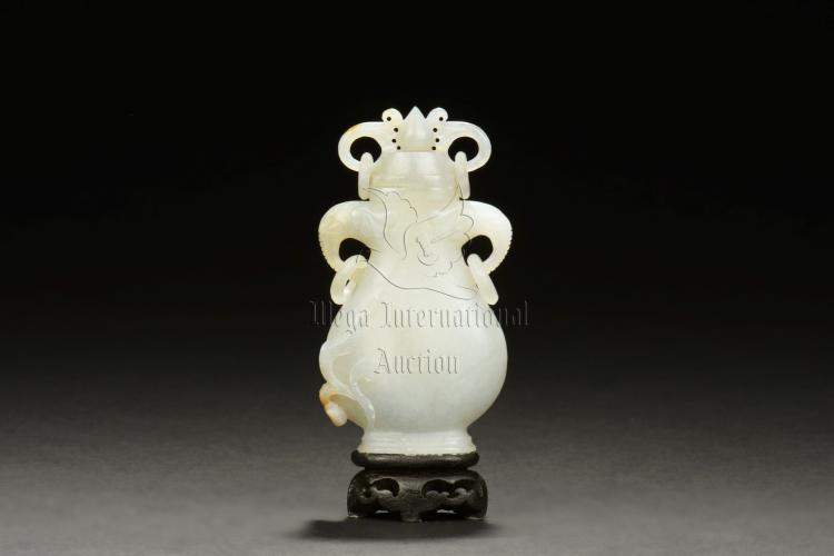 HETIAN WHITE JADE CARVED VASE WITH LID
