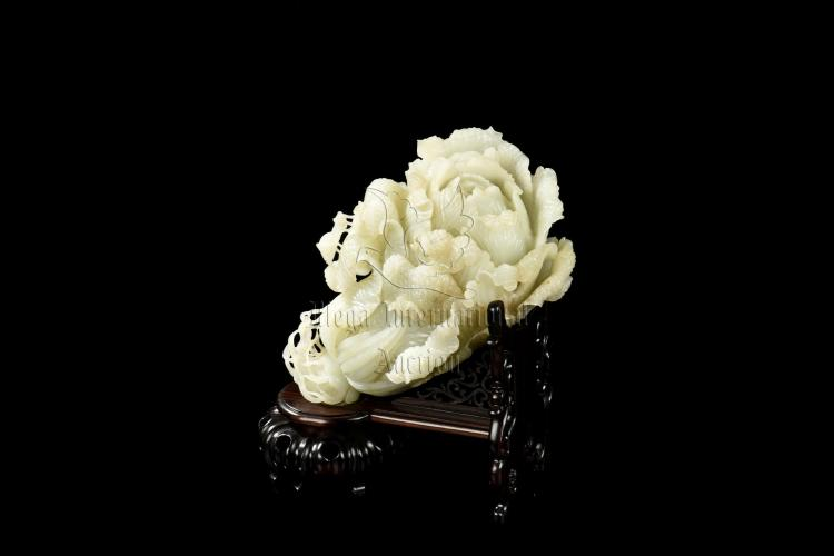 RARE HETIAN WHITE JADE CARVED CABBAGE WITH STAND