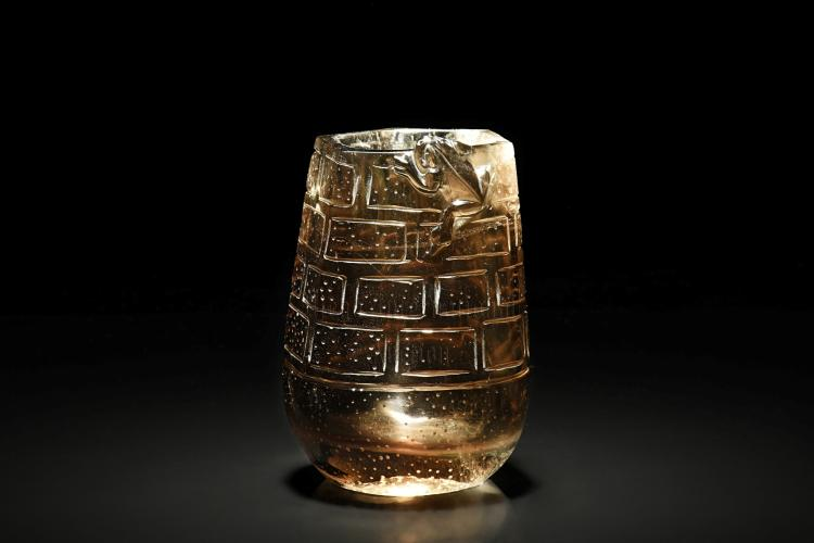CRYSTAL CARVED ARCHAIC VESSEL WITH FROG