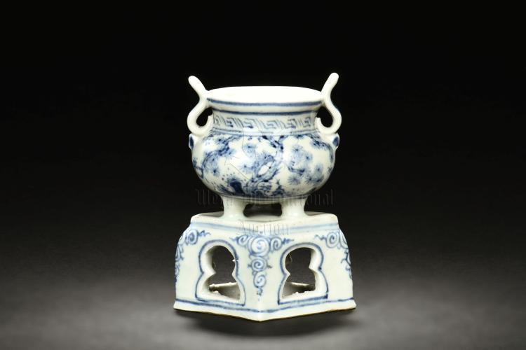 BLUE AND WHITE SMALL CENSER