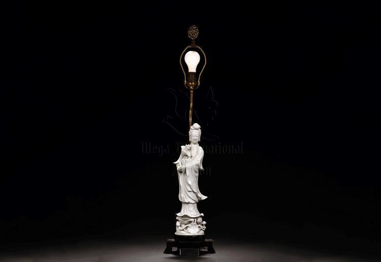 BLANC DE CHINE DEHUA GUANYIN FIGURE WITH LAMP