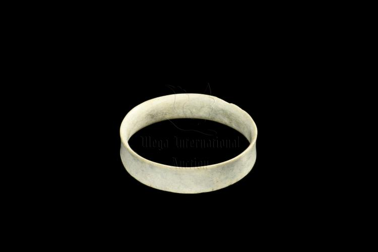 ARCHAIC JADE BANGLE
