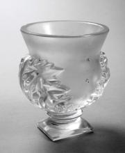 Lot 2500: René Lalique Fußvase mit Blattmotiven