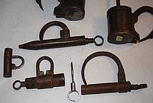 6 19C Forged Iron Shackle Padlocks with Screw Key