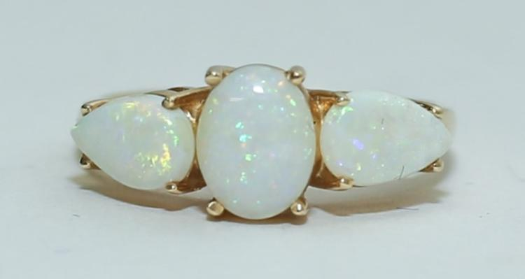 Vintage 14K Gold & Australian Opal Ladies Ring