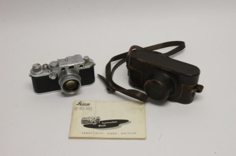 1953 Vintage Leica llf Camera & Case