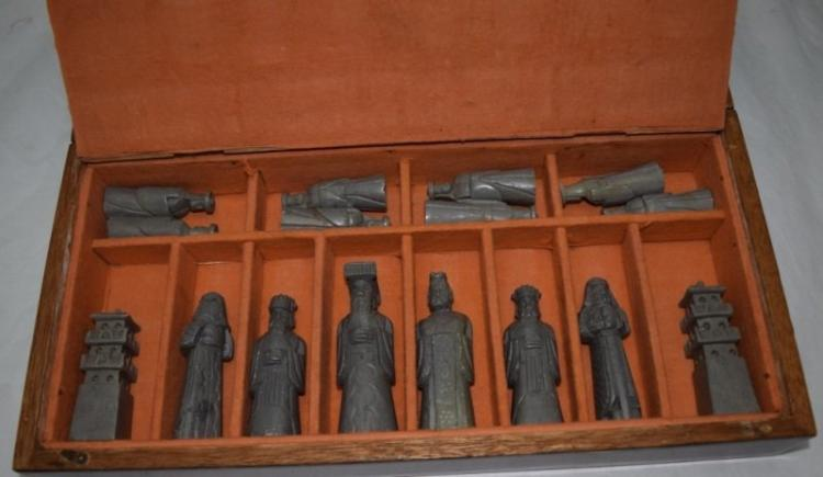Chinese Carved Soapstone Chess Set w Wooden Box