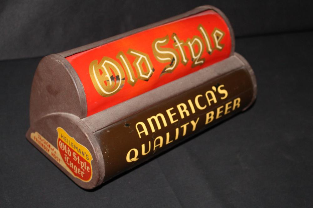 RARE HEILEMANS OLD STYLE LAGER BEER LIGHTED SIGN