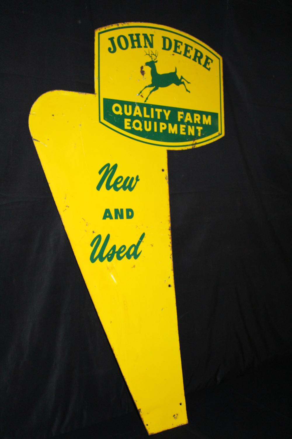 JOHN DEERE QUALITY NEW & USED EQUIPMENT SIGN