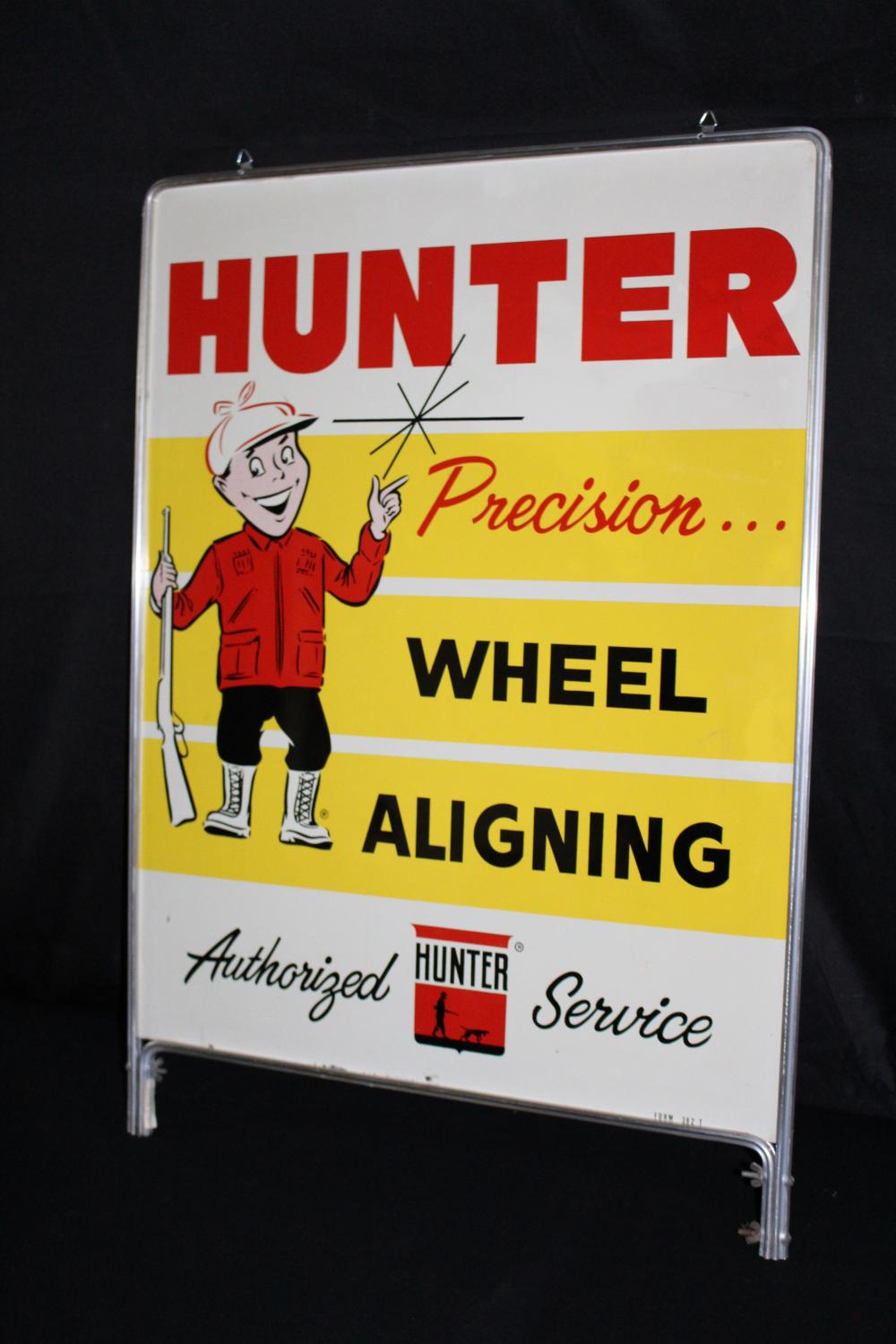 HUNTER WHEEL ALIGNING ATHORIZED SERVICE SIGN