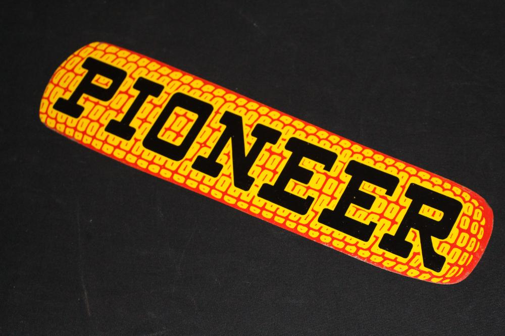 PIONEER HYBRID SEED CORN COB TIN SIGN