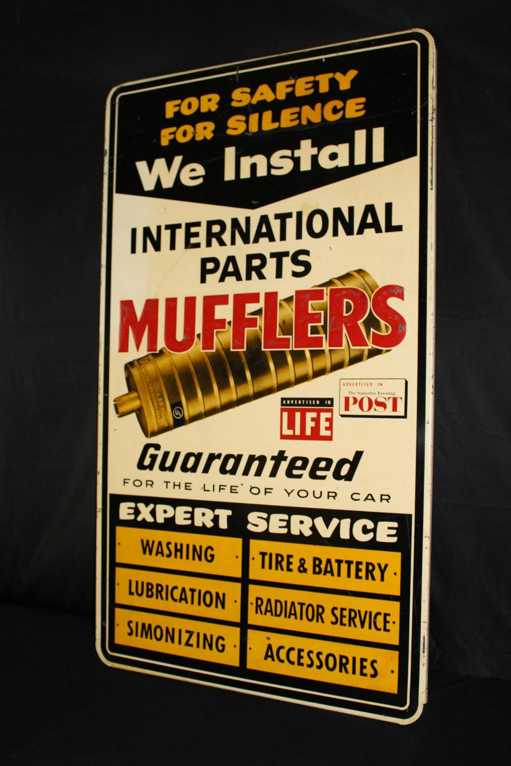 INTERNATIONAL PARTS MUFFLER SIGN