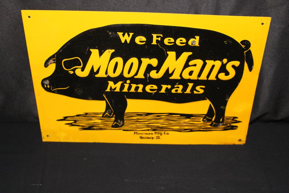 WE FEED MOORMANS MINERALS PIG FARM SIGN