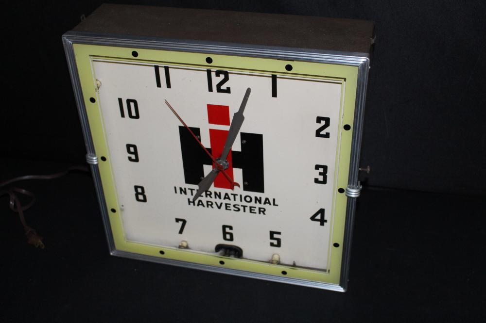 INTERNATIONAL HARVESTER NEON CLOCK SIGN
