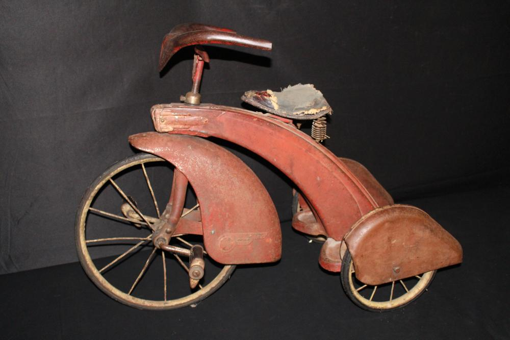 ART DECO STREAM LINED TRICYCLE