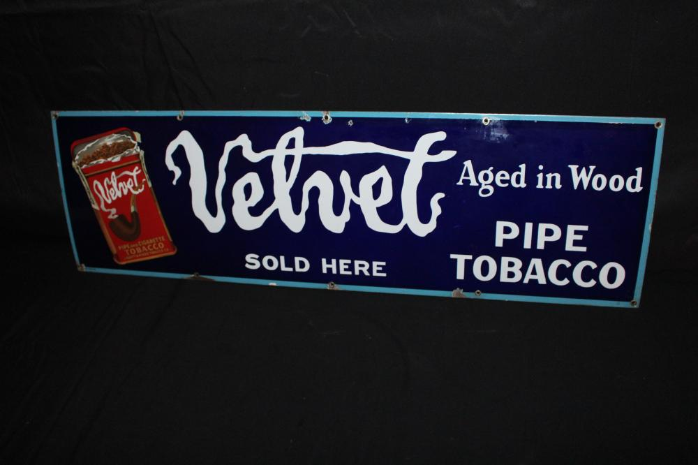 PORCELAIN VELVET PIPE TOBACCO SIGN