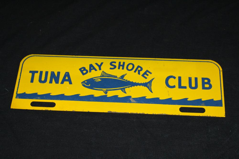 BAY SHORE TUNA CLUB NEW YORK LICENSE PLATE TOPPER