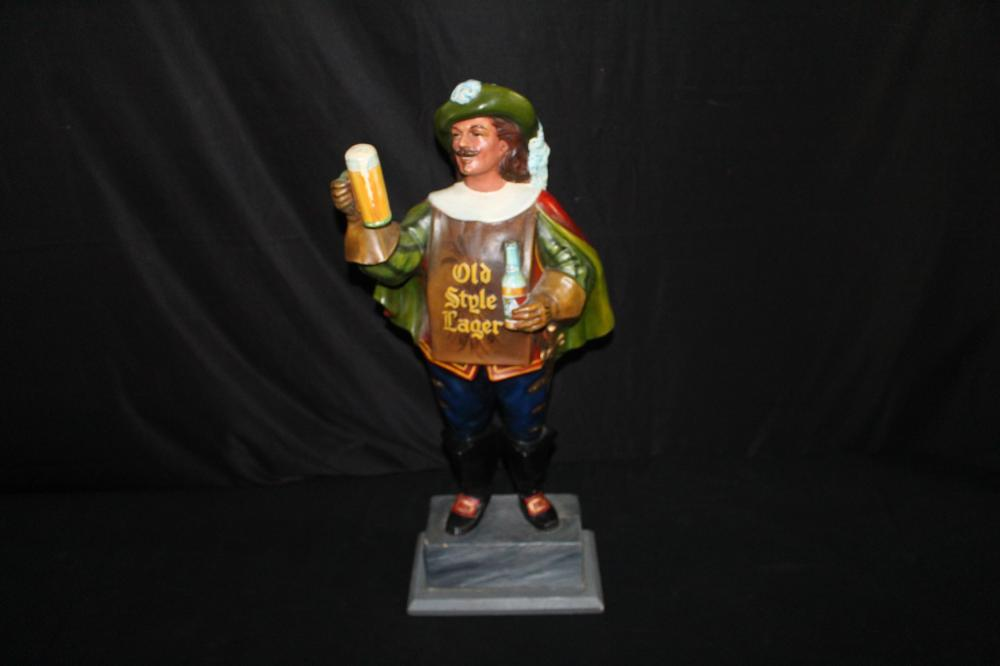 HEILEMANS OLD STYLE LAGER BEER GRENADIER STATUE