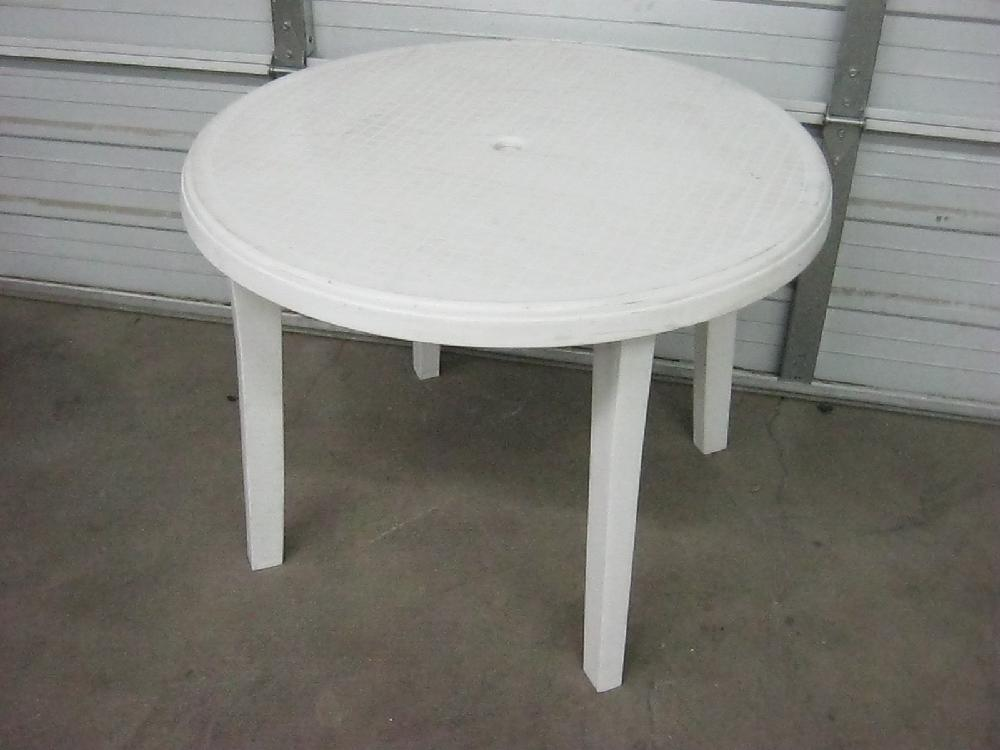 Lot Large White Plastic Patio Table