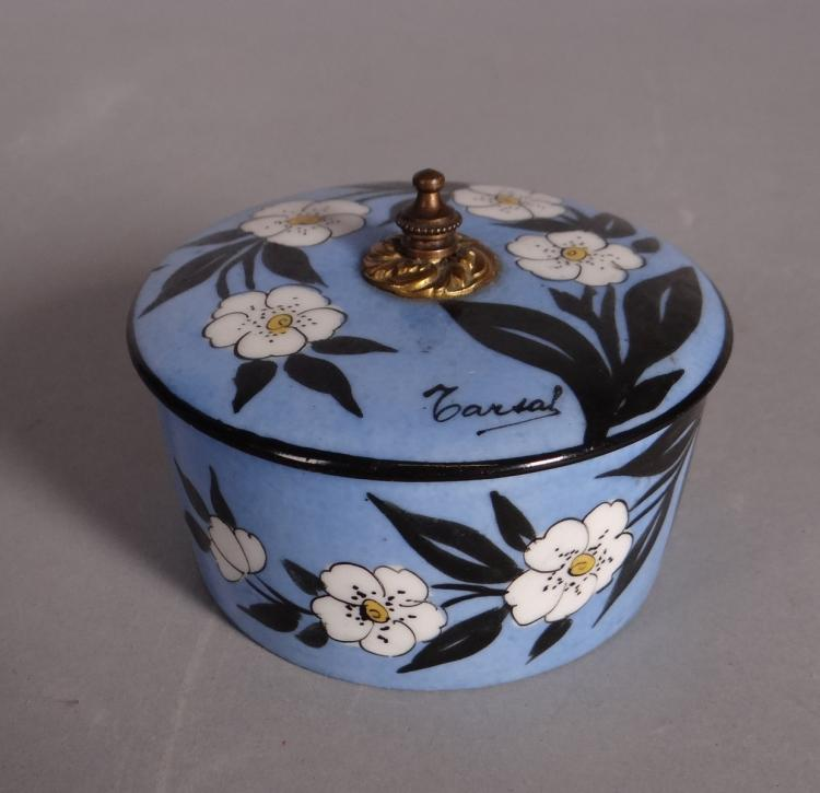 Ceramics:  Paris porcelain candy box decorated BASTARD P. with flowers signed Ralts