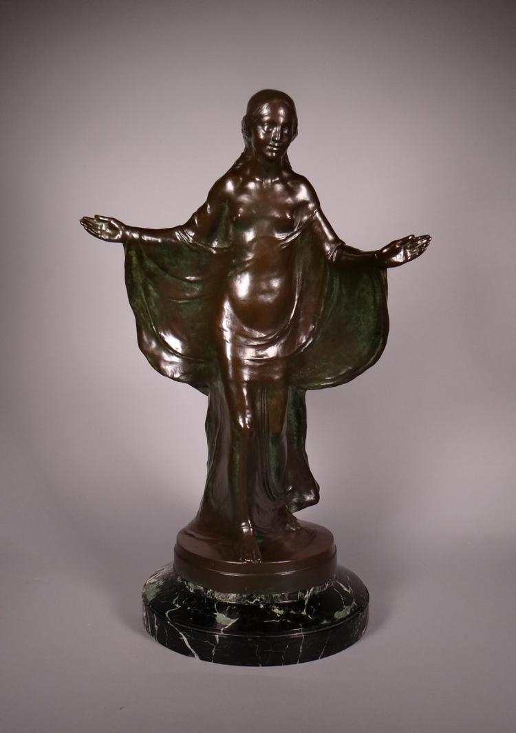 Sculpture: Bronze brown patina - Young woman walking - signed VERBANCK Geo