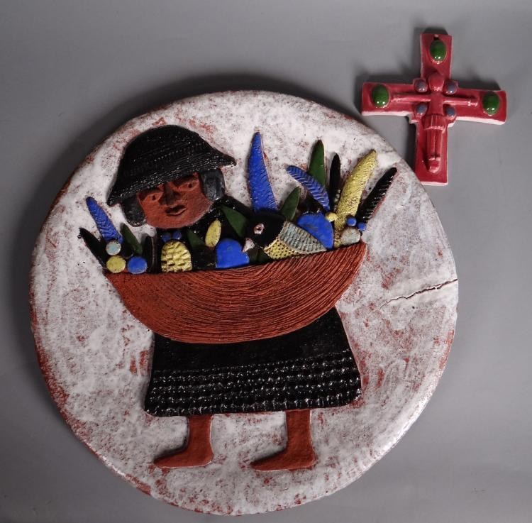 Ceramic: Ceramic Round dish in Dour - Woman with basket - and Christ on the cross signed on the back of BAITAILLE Marie-Henriette