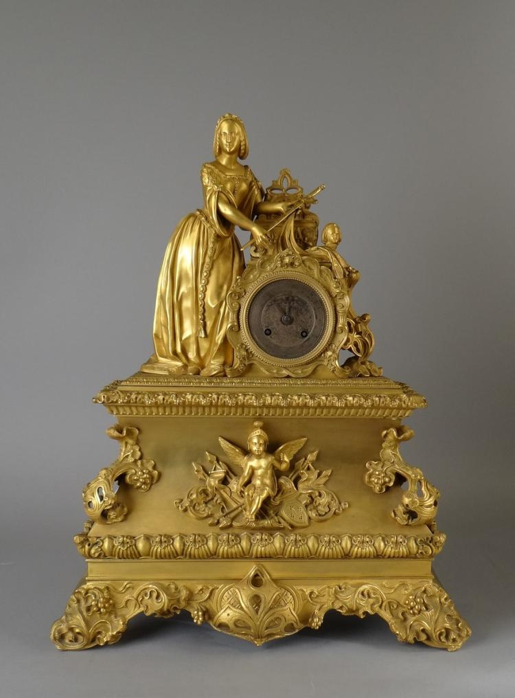 Watchmaking: Clock shelf in gilt bronze - Lady with sword - Circa 1930