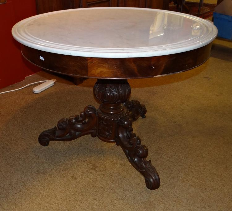 Furniture: pedestal table Louis-Philippe period in mahogany 19C