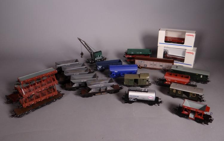 Toy: Train MARKLIN HO Lot 26 wagons with goods. passengers. crane car. ESSO ...