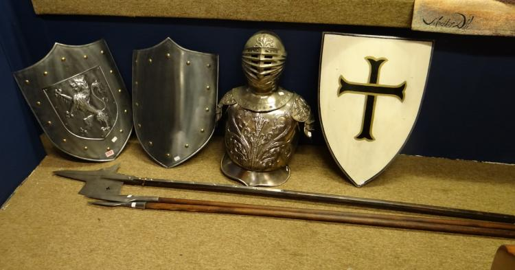 range weapon: Set of shields (3). spears (3) and a half helmet with bib